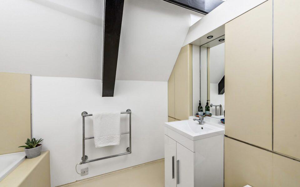 8 Bathroom 2