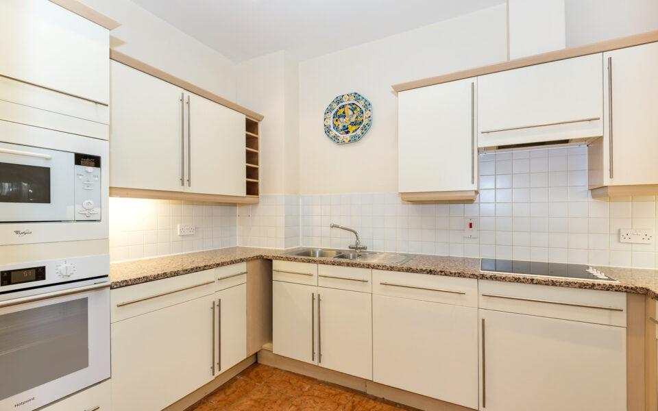 4 Kitchen 2