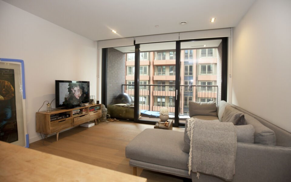 Lounge in a flat for sale in London