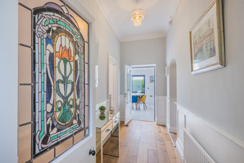 London real estate agent - sell my home in Winter