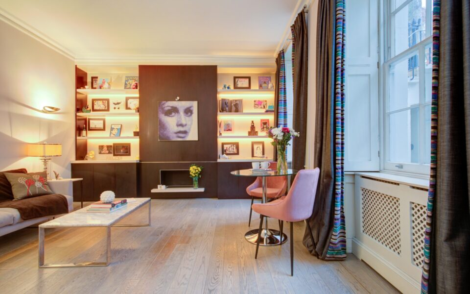 Flats in Queens Gate for Sale - Lounge - Onyx Property Team