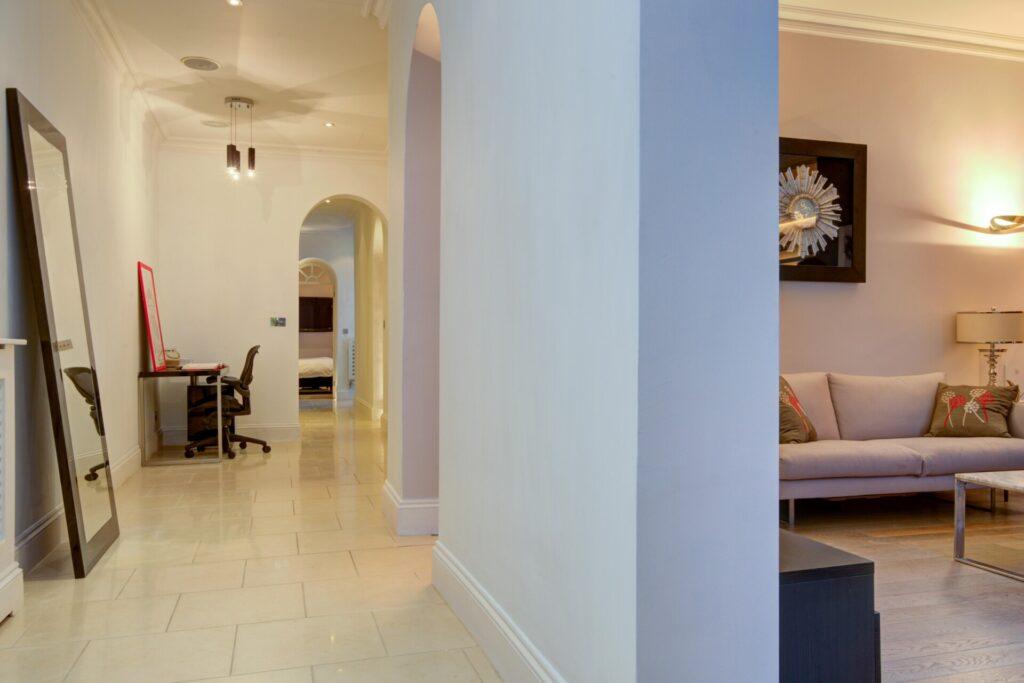 9d Hallway
