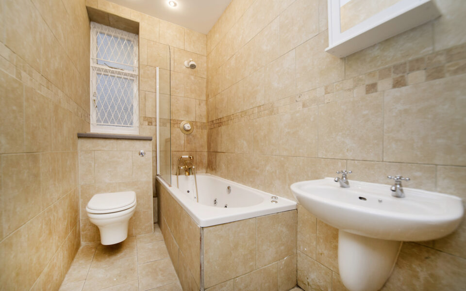 Cunningham court flat to let in Maida Vale