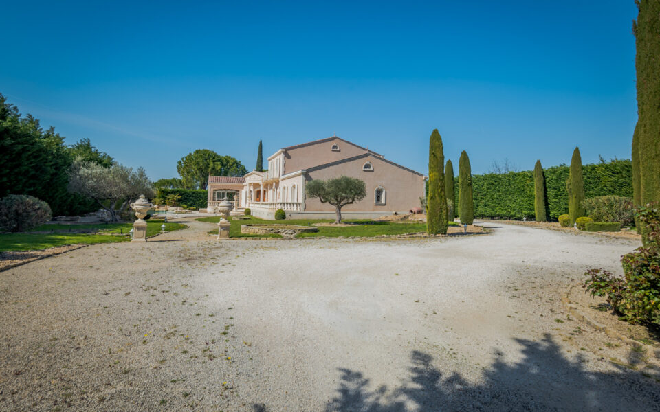 Property in Molleges