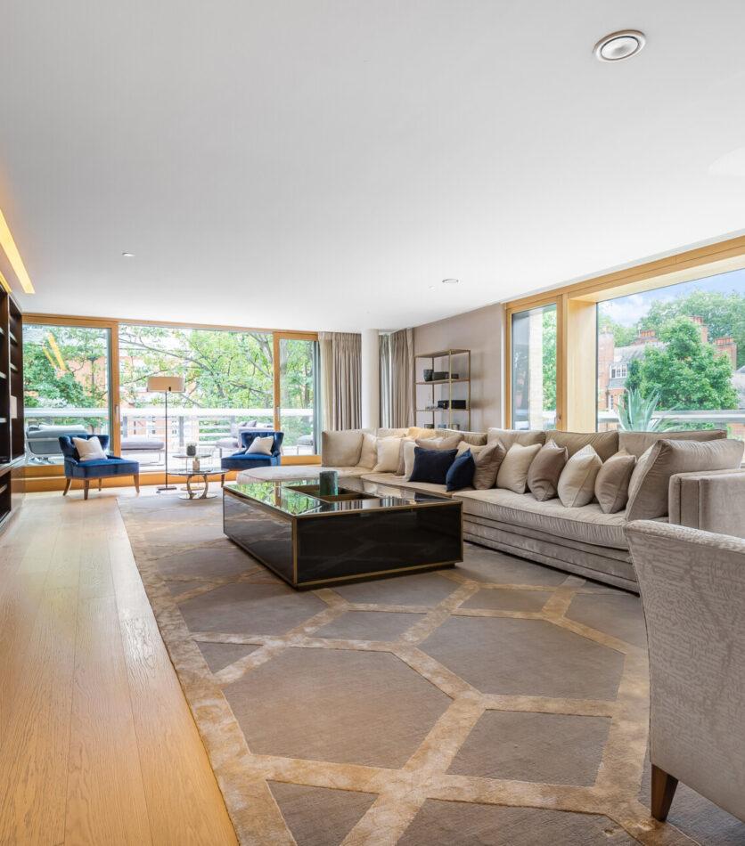 Lounge - stunning 4 bedroom homes in Kensington